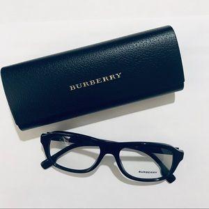 Burberry B2299, col. 3001, includes case